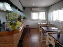 Soy diner(ソイ ダイナー):お子様椅子もあります。笑顔作りのお手伝いを願って☆