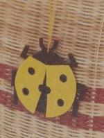 母の日のプレゼント作り「てんとう虫のアクセサリー」