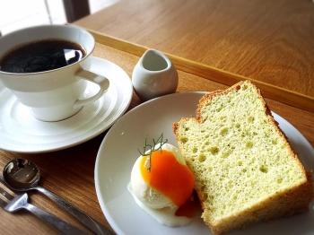 お野菜酵素のシフォンケーキ アイス添え ひのきコーヒーセット 735円(税込)<br>